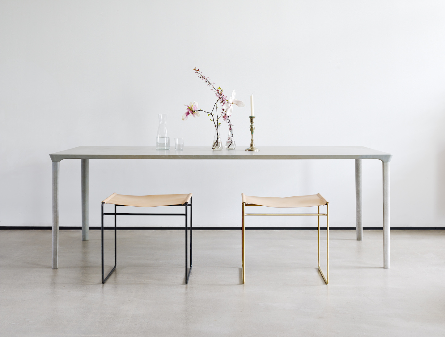 Nina_Mair_Concrete_Table_01